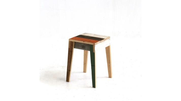 kruk-in-sloophout stool scrapwood