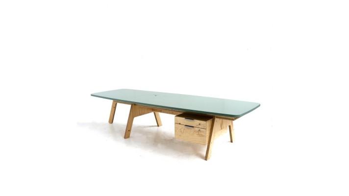 crisisvakwerkbureau - desk custom