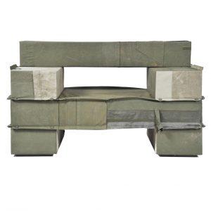 4310-enorme-gestoffeerde-balken-fauteuil-legerstof-01