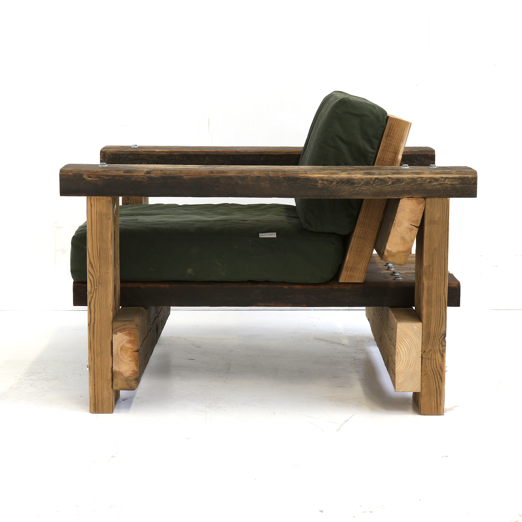 balkenfauteuil-met-kussens-detail - beam - armchair - upholstered