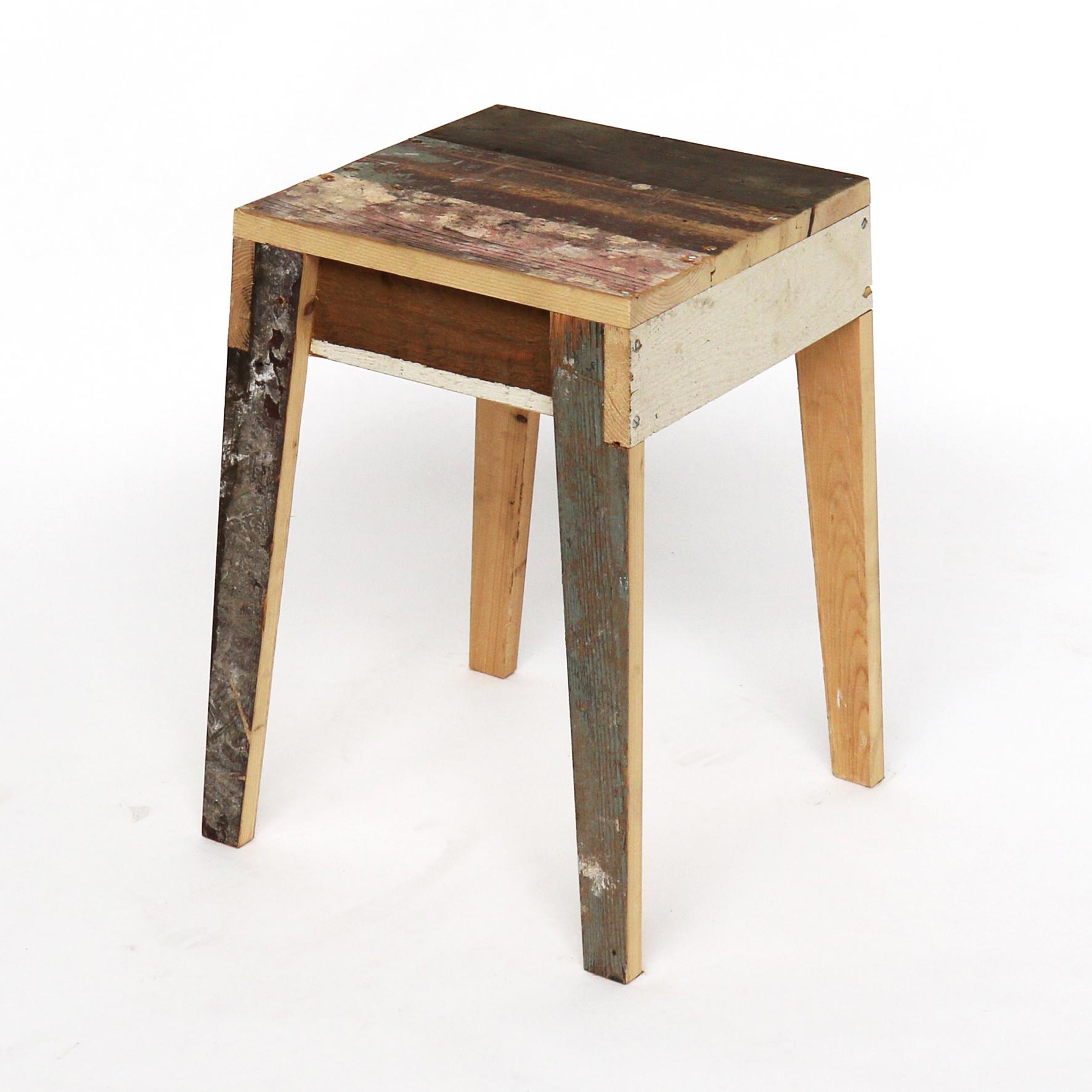kruk-in-sloophout - stool scrapwood