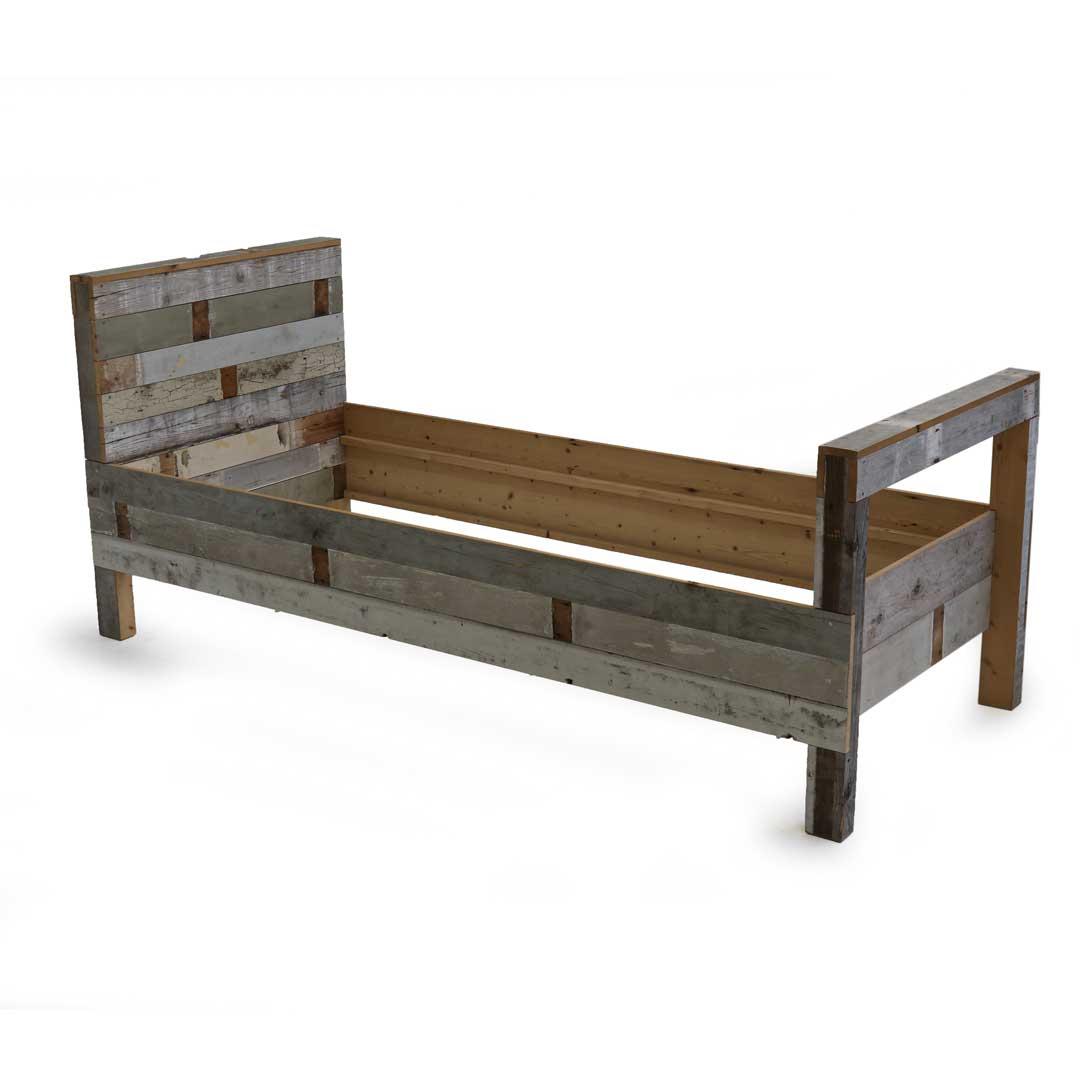 2 Persoons Bedombouw.Single And Double Wooden Bed In Scrapwood Piet Hein Eek