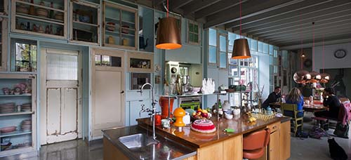 NLD, Niederlande, 's-Hertogenbosch, Studio Boot, Grafik-Design und Wohnung, Einrichtungen von Piet Hein Eek 2012, Architekten des Umbaus: HILBERINKBOSCH Architecten 2012 | NLD, The Netherlands, 's-Hertogenbosch, Studio Boot, graphic-design and appartment, installations by Piet Hein Eek, architects of the refurbishment: HILBERINKBOSCH architecten 2012
