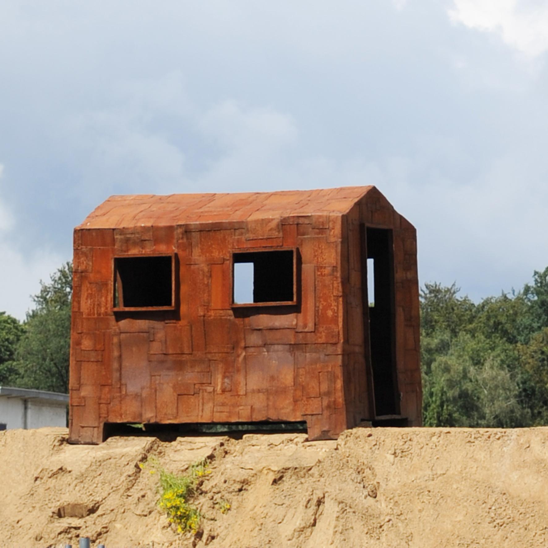 stalen-afvalhuisje