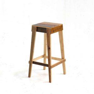 Barkruk-in-sloophout-zonder-rug-2-W