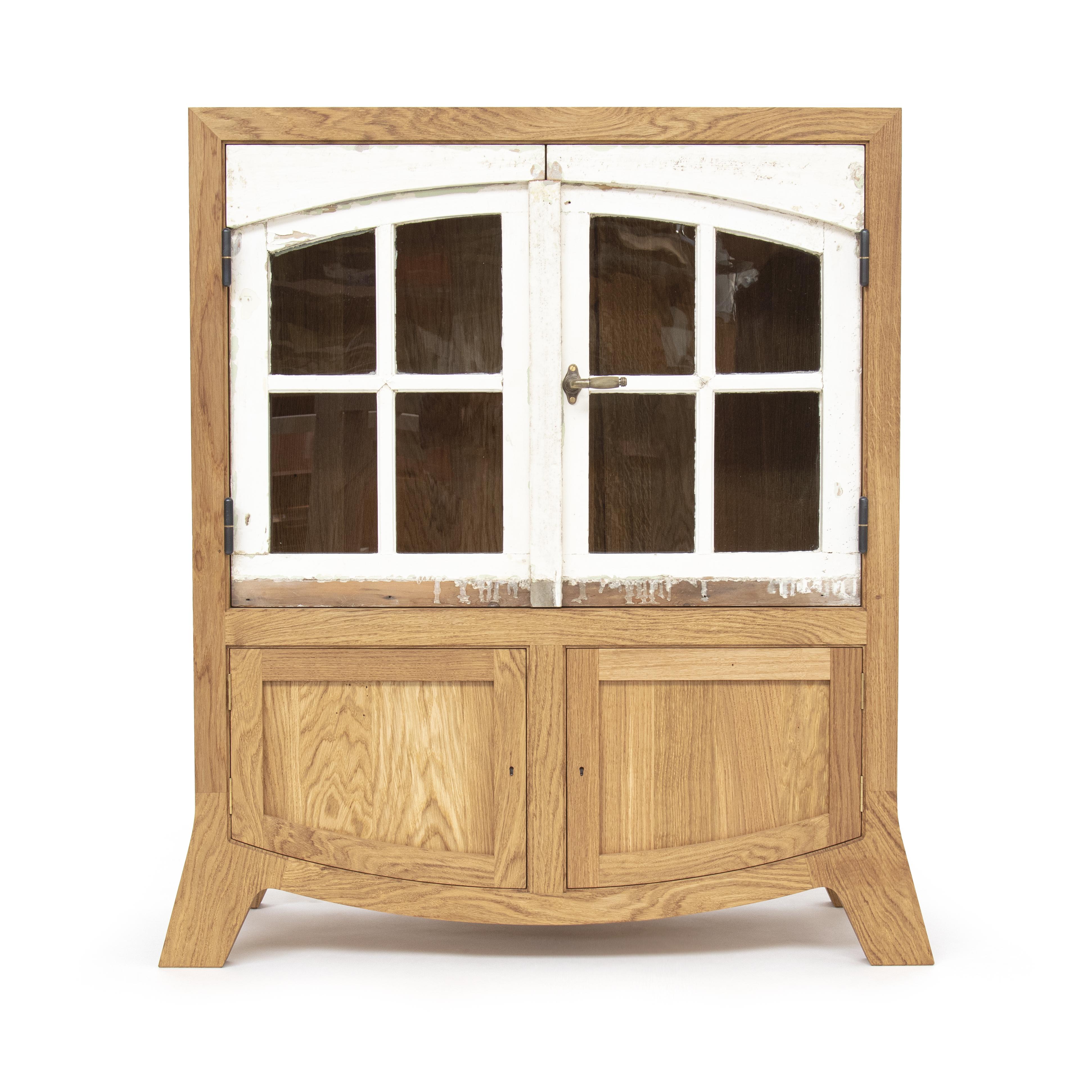 01_Oak_door_cupboard_front01_THUMBNAIL-1