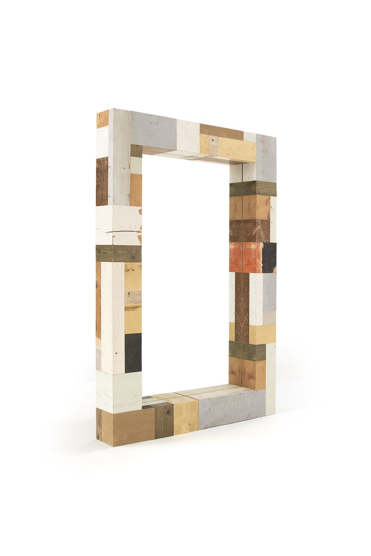 01_Waste_mirror_in_scrapwood_nr1_perspective-3