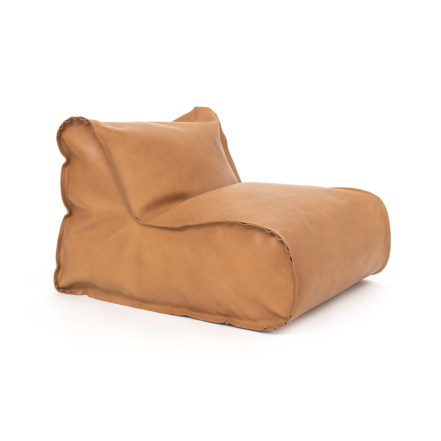 02_Bag_chair_leather_perspective01_THUMBNAIL-1